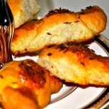 Лесни солени кифлички с маргарин