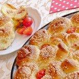 Увийте плънката за пица в пухкаво тесто и сътворете истинско вълшебство в кухнята!