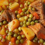 Свинско с картофи и грах - перфектната зимна манджичка