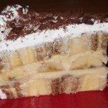 Бързо и без печене: уникална кремообразна торта с бисквити и банани