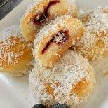 Парени сладки с мармалад и орехи