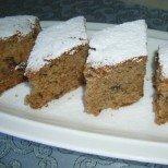 Експресен кекс с ябълки, орехи и сладко - бърка се за минути и се хапва с удоволствие!