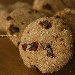 Хрупкави диетични бисквити за фини дами - две основни съставки, богат вкус и само полезни калории!
