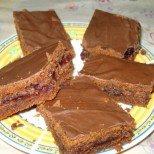 Вкусно, лесно, постно: шоколадов сладкиш с компот и мармалад - ще ви изненада и спечели!