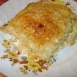Сочен пататник със сирене и точени кори