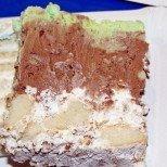 Феерично нежна и вкусна - торта с крем от мини вафлички е хрупкави кори