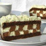 Сладка закачка: Ефектна шоколадова торта с шахматен крем