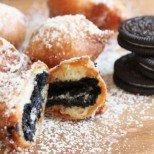 Потопете бисквитки Орео в смес за палачинки и вижте какво ще се получи: рецепта с видео