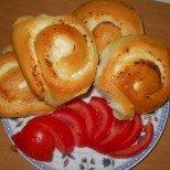 Идеални за семейната закуска: Пухкави мини-тутманичета със сирене