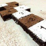 Лесен какаов сладкиш Дама - трябват ви само купа и тел за разбиване. Децата ще се влюбят в него!