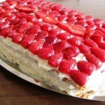 Торта Ягодов сън - свежа, сочна и с много крем