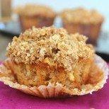 Ябълков разкош в мини формат: ябълкови кексчета с канела и хрупкава шапка