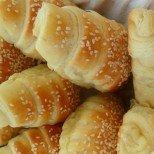 Копринено нежни, въздушни и разтапящо вкусни: турски кифлички със сирене