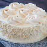Специално за най-женския празник - целувчена торта Снежната кралица с бисквити и шоколад