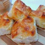 Лесни кифлички-закуска със заквасена сметана