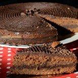 Торта Рембранд - изискана и с богат вкус на бадеми и шоколад