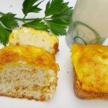 Перфектни бъркани погачки с кисело мляко и сирене