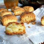 Пухкави солени бухтички Колкото-толкова - няма нужда да записвате рецептата, помни се лесно