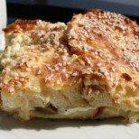 Не знаете какво да правите стария хляб? Няма проблем: само с няколко лесни съставки ще го превърнете в тази чудно вкусна закуска.