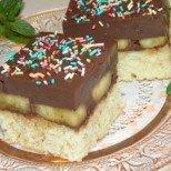 Не се лишавайте от сладичко по време на пости: Постна бисквитена торта с шоколадов пудинг