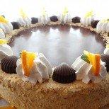 Нежна торта с бисквитени топчета: толкова вкусна не сте яли!