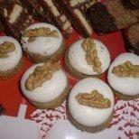 Снежни бисквитки с орехче за снежно утро
