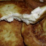 Бързи питки Лакомки с шунка и кашкавал - щом ги вкусите, няма спиране!