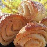 Купусари - солени кифлички със сирене по македонски