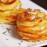 Стъпка по стъпка: Как без особени кулинарни умения да вземем ума на гостите с тези рошави кашкавалени картофки