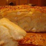 Домашна погача със сирене за сръчни домакини