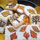 Есенни бисквити с нежна глазура - зарадвайте малки и големи!