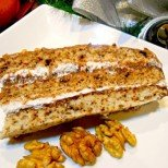Ароматът й ще погъделичка приятно небцето ви - специална торта с печени орехи