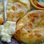 Лесни и бързи мазничета - вити банички със сирене