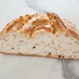 Всички ще ви искат рецептата: домашно хлебче само с 3 съставки, без месене и цапане! Хрупкаво отвън и съвършено меко отвътре!
