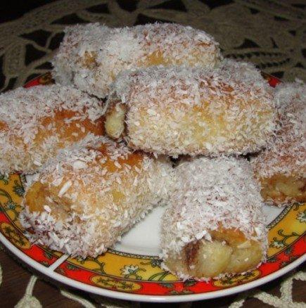 Вълшебно сочни кифлички в сироп с орехи и мармалад - може и да са калорични, но си заслужава всяка хапка