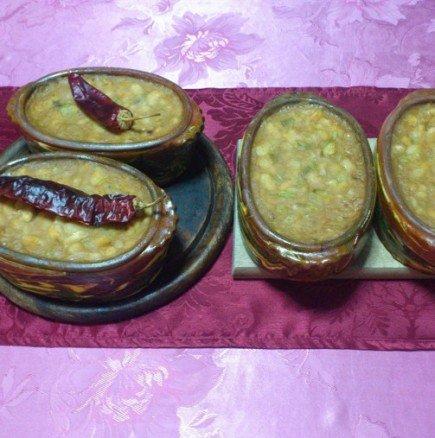 Апетитни бобени гърненца на фурна
