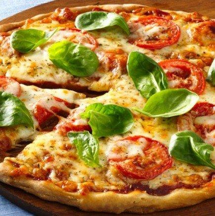 Направете сами съвършеното парче пица - тайната на италианските майстори-пицари
