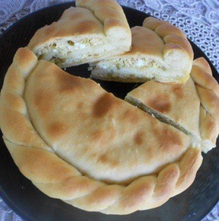 Белюш - мека сръбска погача с вкусна плънка