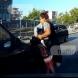 Кола блъска невнимателна майка с дете, докато говори по телефона в Пловдив