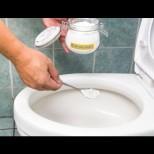 Тоалетната чиния винаги ще бъде чиста и миризмата ще бъде свежа. Необходимо е само да смесите няколко съставки