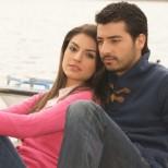 В следващите епизоди на Прости ми: Кемал предлага брак на Бахар, но тя не приема, Инджи е простреляна