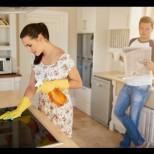 Проучване в Европа: Българите смятат, че жената трябва да си стои у дома, а мъжът - да изкарва пари-Съгласни ли сте с него