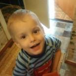 Като виждат ръцете на малкия Кирил, родителите му го изоставят, но историята не завършва така!