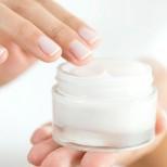 Погледнете етикета на крема преди да си го сложите на лицето, съдържа ли тези съставки?