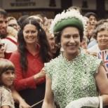 Разкриха дълго пазена тайна за кралица Елизабет II, когато едва не е загубила живота си
