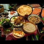 В неделя е един от най-важните празници, предвестници на Великден-Посещават се кръстника и родителите на булката. Носят им се дарове