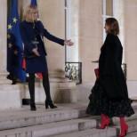 (Снимки) Тази първа дама засенчи Мелани Тръмп и Бриджит Макрон със своята красота и стил!