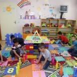 Майки на деца със специални потребности алармират: Помолени сме да не водим децата си на тържества, за да не развалят празника
