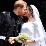 Едва няколко часа след сватбата на Меган и Хари и скандалите не закъсняха