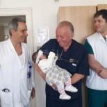 Спасиха живота на 4-месечно бебе в изключително рядка в света операция